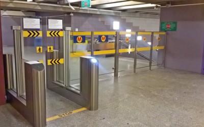 Metro Stacja Politechnika - bramki